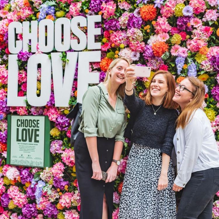 choose love flower wall