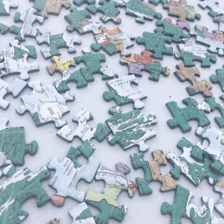 Puzzle pieces – creativity at home