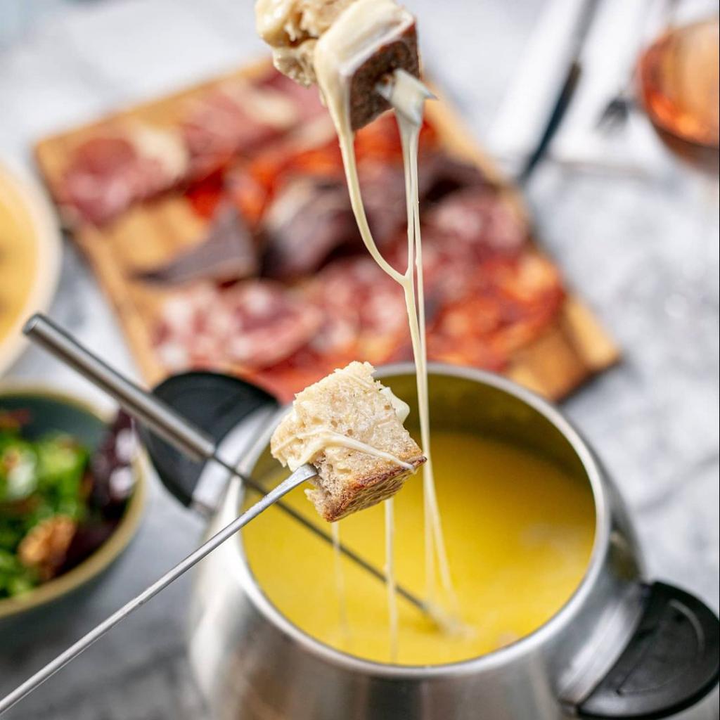 28-50 fondue experience